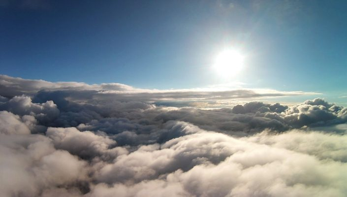 drone ciel nuage soleil